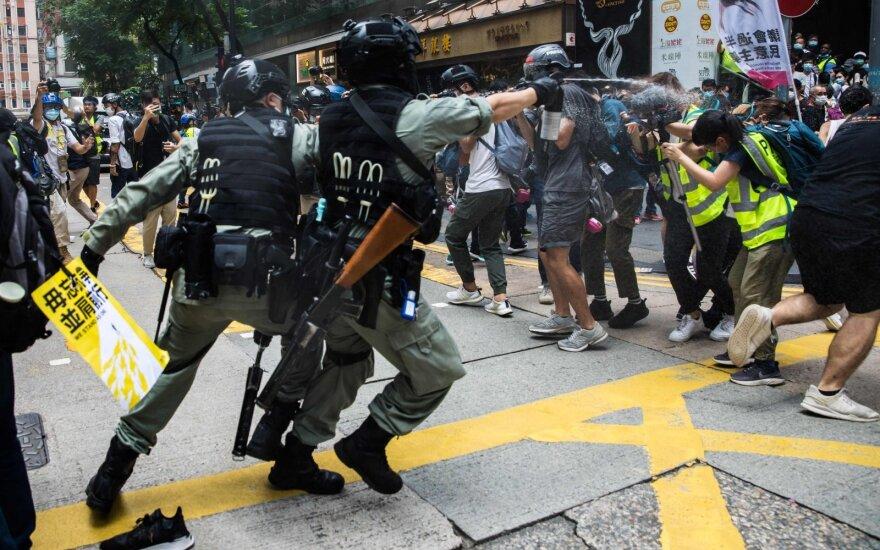 Honkongo policija pranešė apie pirmąjį areštą pagal naująjį saugumo įstatymą