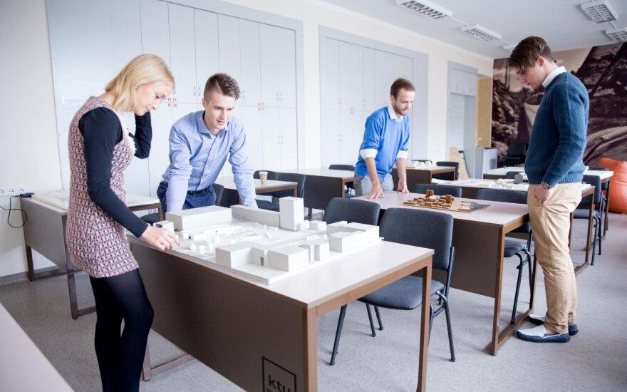 Statybos ir architektūros fakulteto studentai