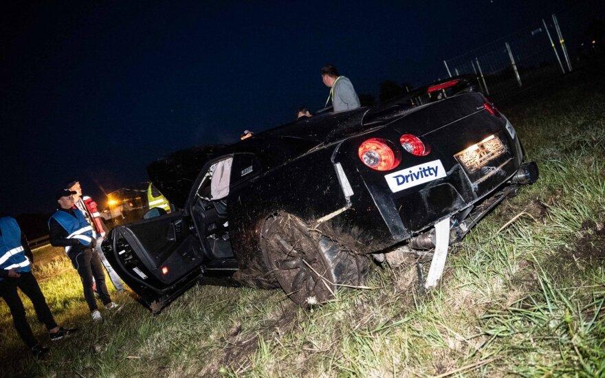 """Nissan GT-R"" avarija Palangoje, drago lenktynėse"