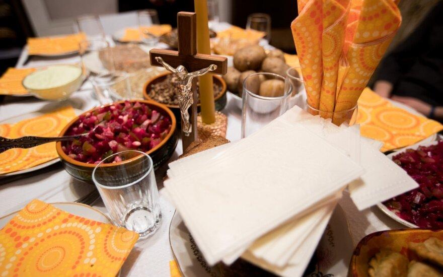 Kitokios šventės: Kūčių į restoraną su visa šeima, tradiciniai patiekalai – išsinešimui