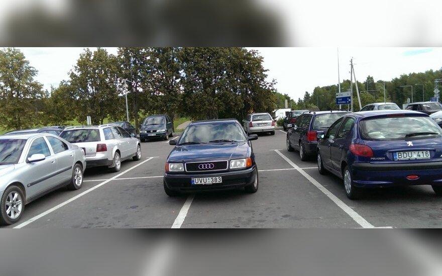"""Savaitės """"Baudos kvitas"""": vienam automobiliui - keturios vietos"""
