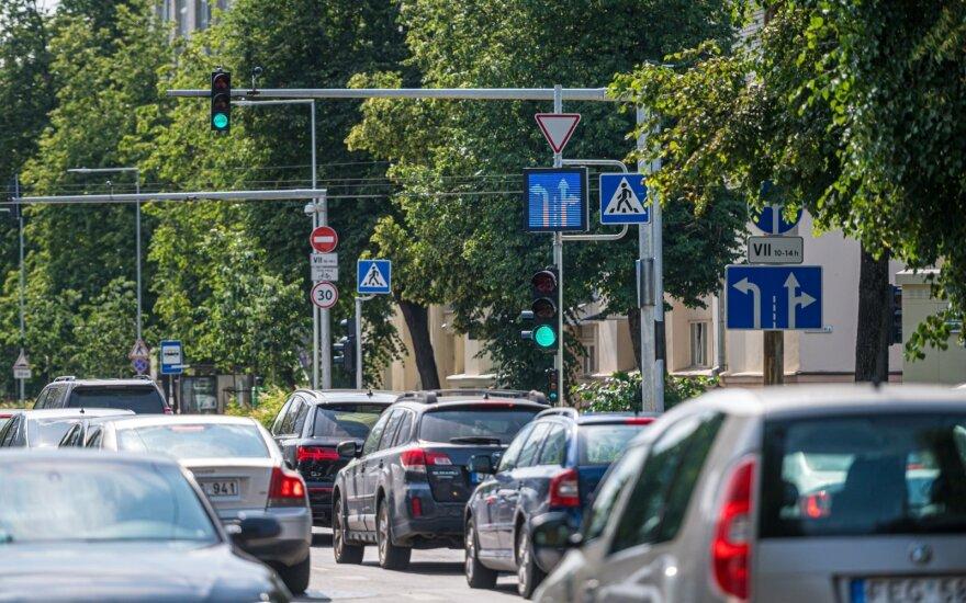 Vilniuje daugėja kintamos informacijos kelio ženklų – siekiama užtikrinti sklandesnį eismą