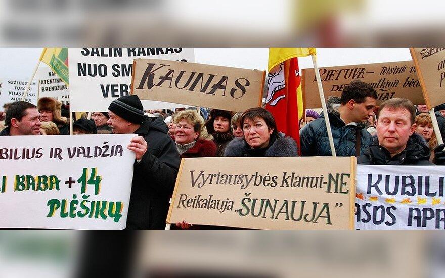 Mitinguojantys turgininkai išsiskirstė pagrasinę bado streiku