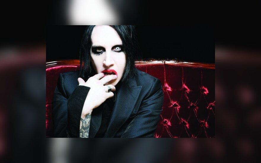 M.Mansonas vėl vienišas