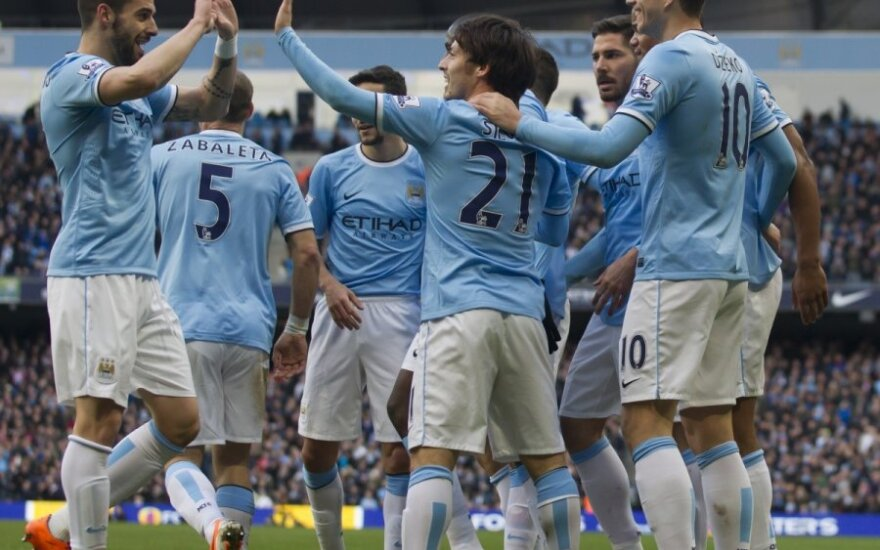 """Mančesterio """"City"""" futbolininkai ir toliau demonstruoja akiai gražių futbolą"""