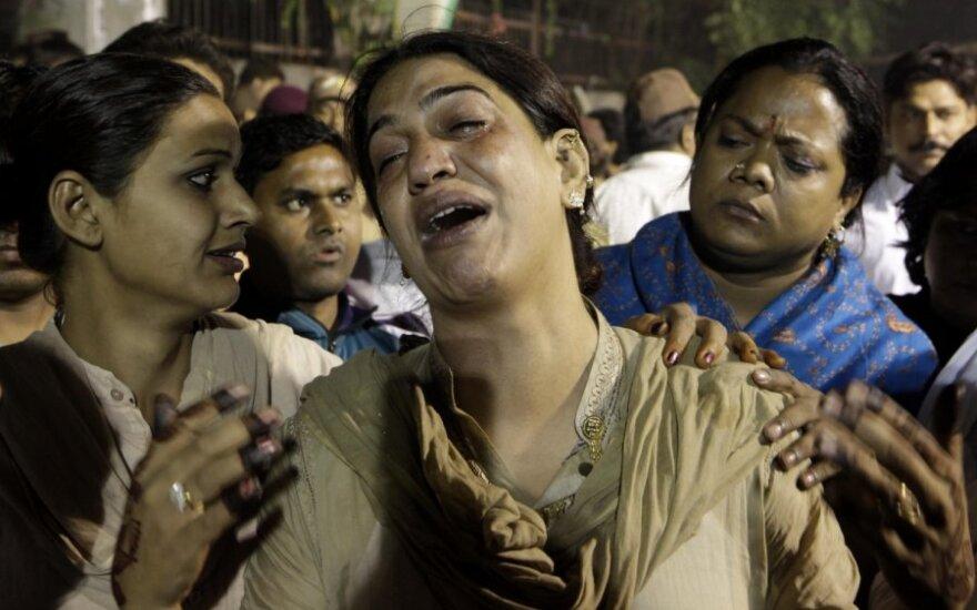 Indijoje liepsnose žuvo 15 eunuchų