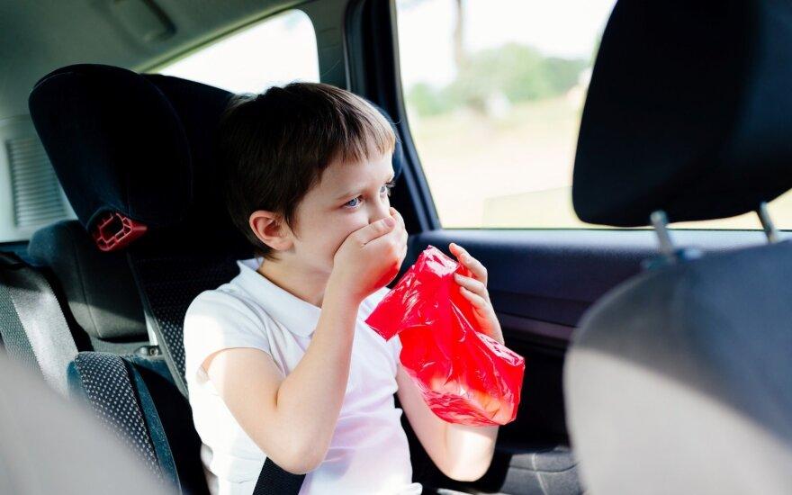 Šeši patarimai, kaip išvengti pykinimo keliaujant automobiliu