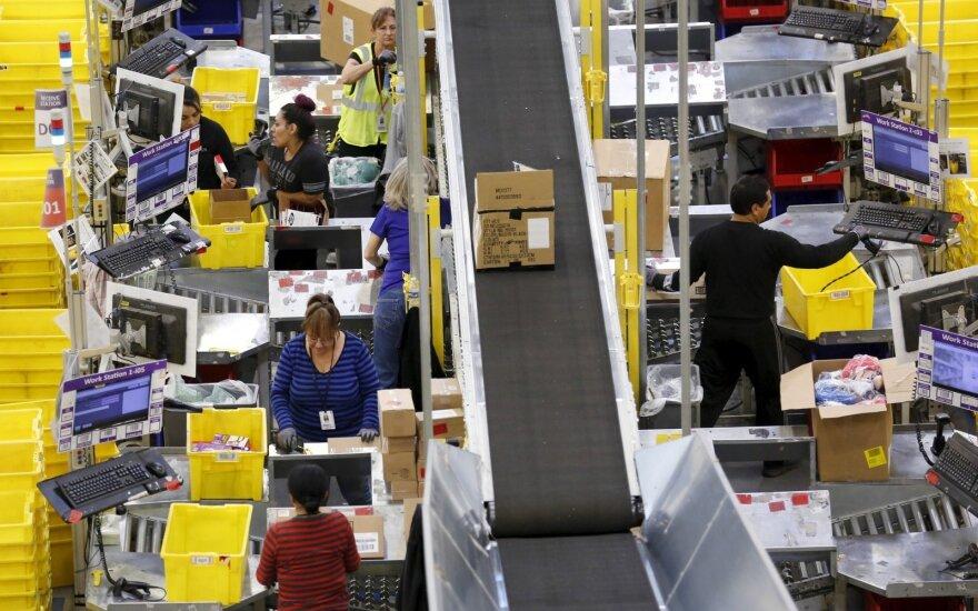 """Artėjant šventėms """"Amazon"""" pradeda mažinti kai kurių prekių kainas"""