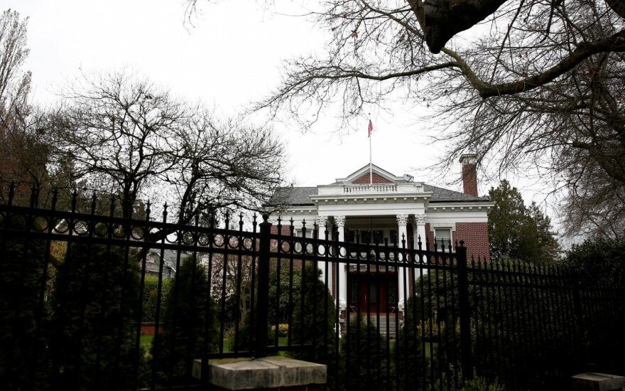 JAV uždaro Rusijos konsulatą ne be priežasties: netoli – itin svarbi vieta