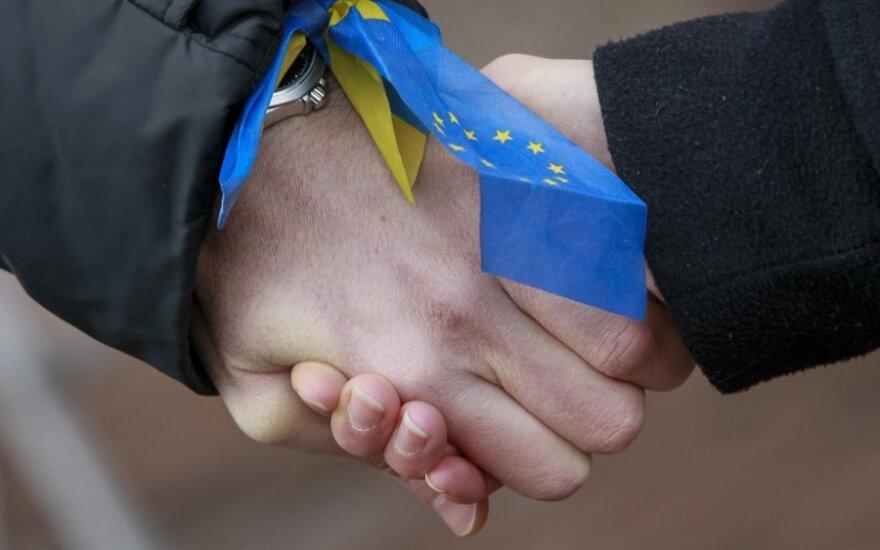 "Kijeve suformuota ""gyvoji grandinė"""