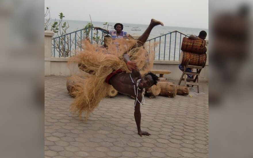 "Akrobatų grupė ""African Brothers"""