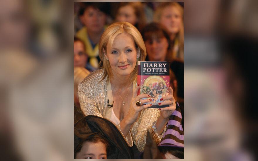 """J.K. Rowling su knyga """"Haris Poteris ir pražūtingos relikvijos"""" (Harry Potter and the Deathly Hallows)"""