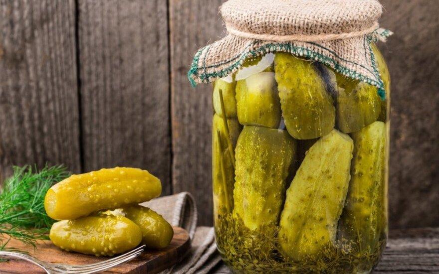 Ilgai išsilaikančių raugintų agurkų receptas