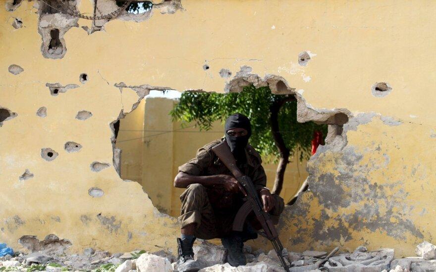 Atakavus viešbutį Somalyje žuvo mažiausiai 12 žmonių