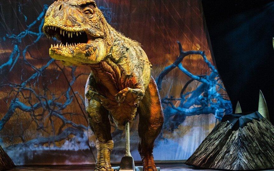 """Šou """"Pasivaikščiojimas su dinozaurais"""""""