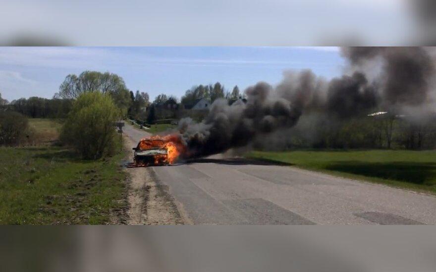 Įspūdingas vaizdo įrašas: ko nenorėtų nė vienas vairuotojas