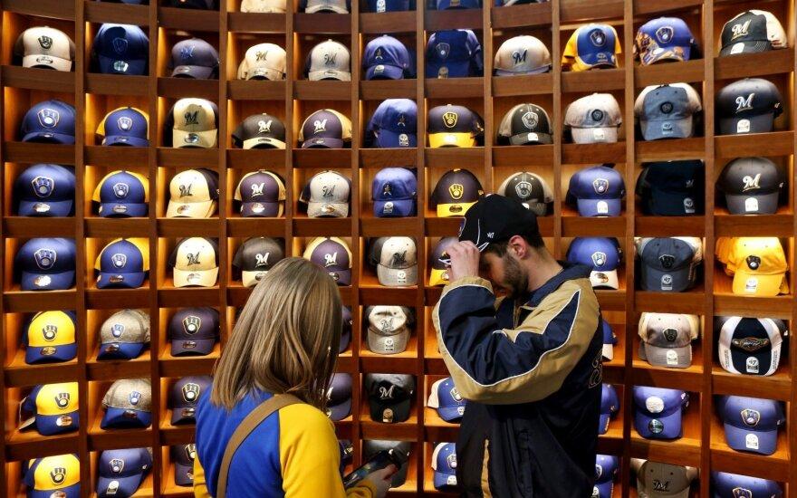 """""""Ford"""" sugalvojo originalų sprendimą, kaip panaudoti kepures (asociatyvi nuotr.)"""