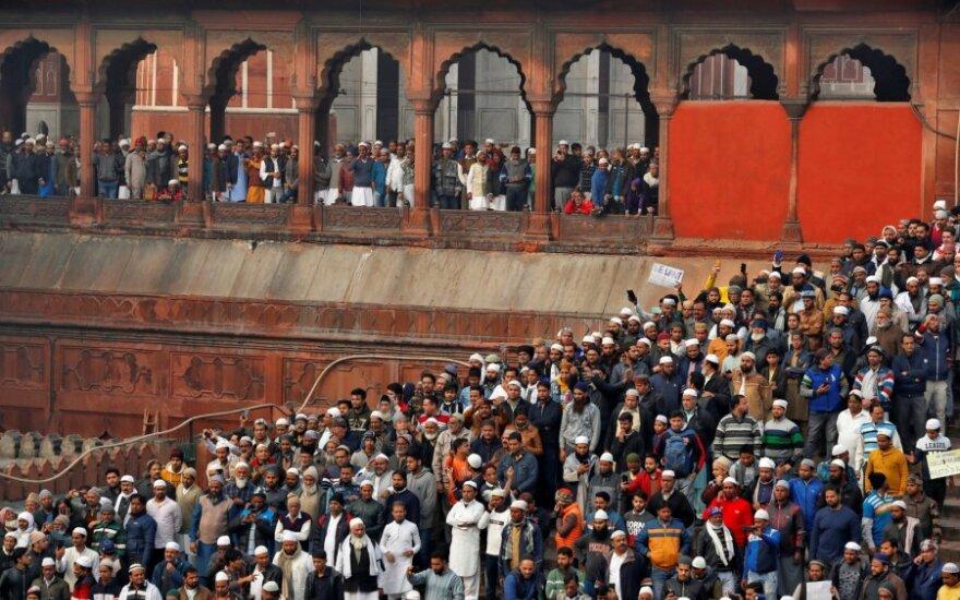 Protestai Indijoje prieš naująjį pilietybės įstatymą