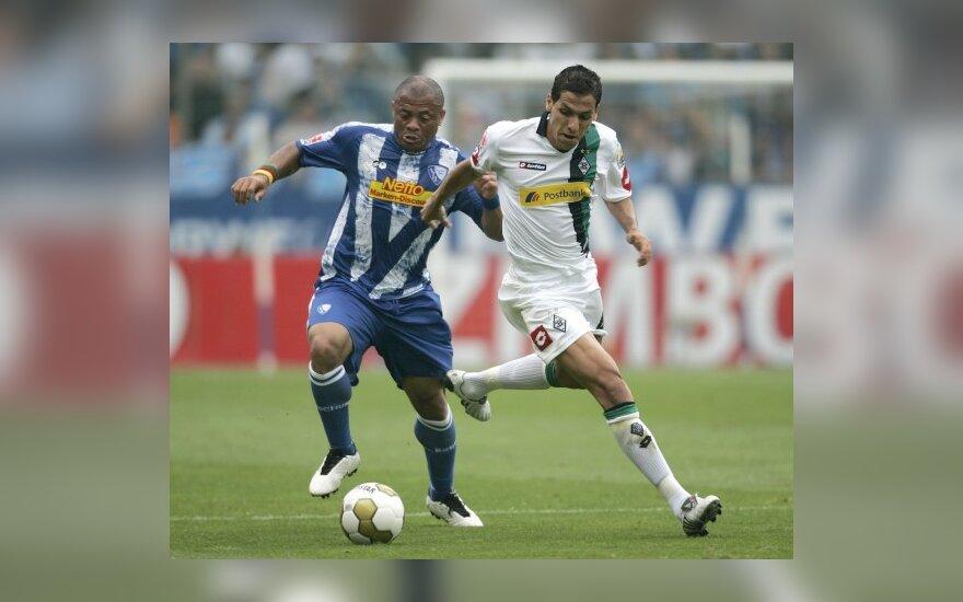 """Joelis Epalle  (""""Bochum"""", kairėje) ir Karimas Matmouras (""""Borussia"""")"""