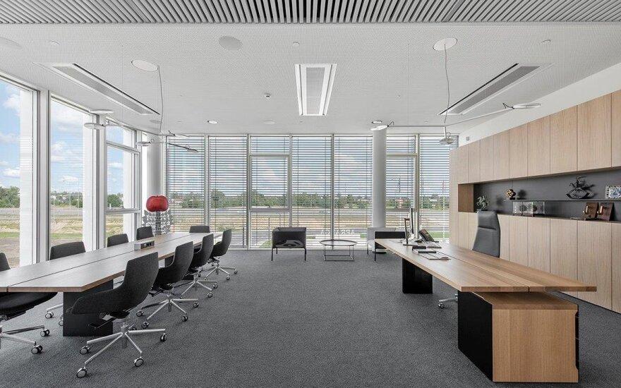 Nepaisant didėjančio poreikio dirbti iš namų, biurų projektai vystomi sklandžiai