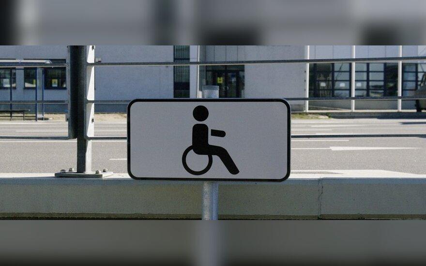 """Siūloma grąžinti ankstesnę ženklo """"Neįgalusis"""" naudojimo tvarką"""