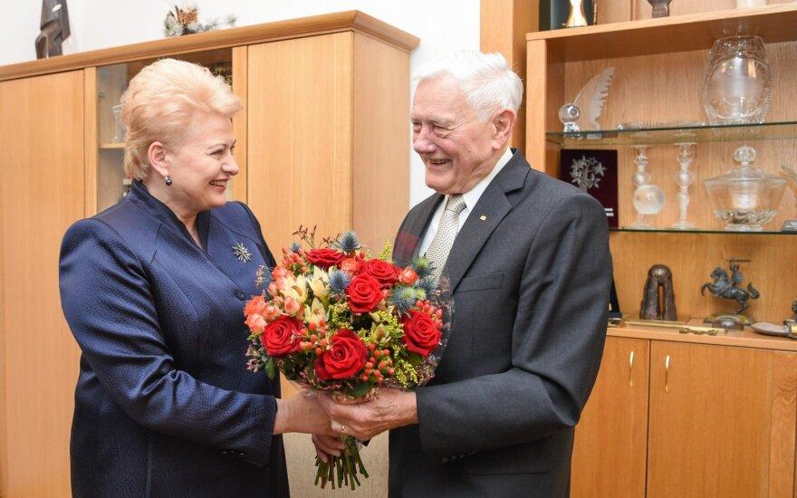 President Dalia Grybauskaitė congratulates President Valdas Adamkus with 90th anniversary