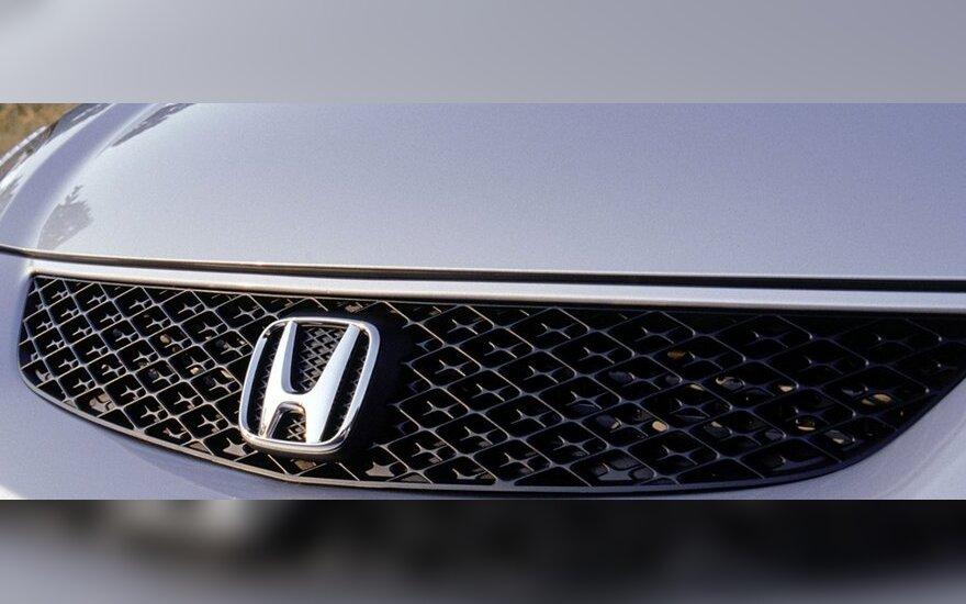 """""""Honda"""" atšaukia 554 tūkst. automobilių"""