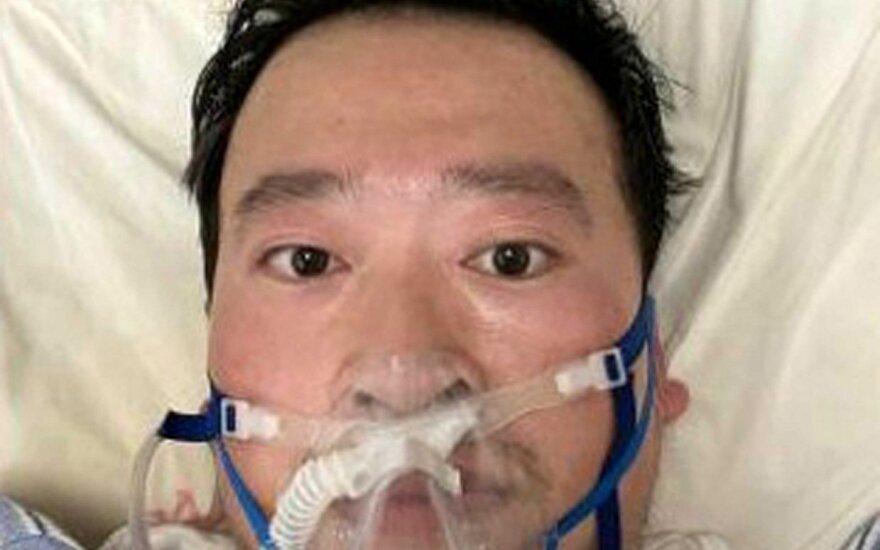 Oficialu: medikas, bandęs įspėti apie koronaviruso grėsmę, mirė