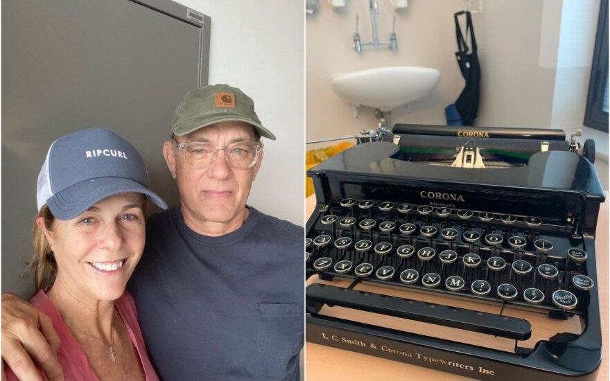 Tomas Hanksas su žmona ir jo spausdinimo mašinėlė
