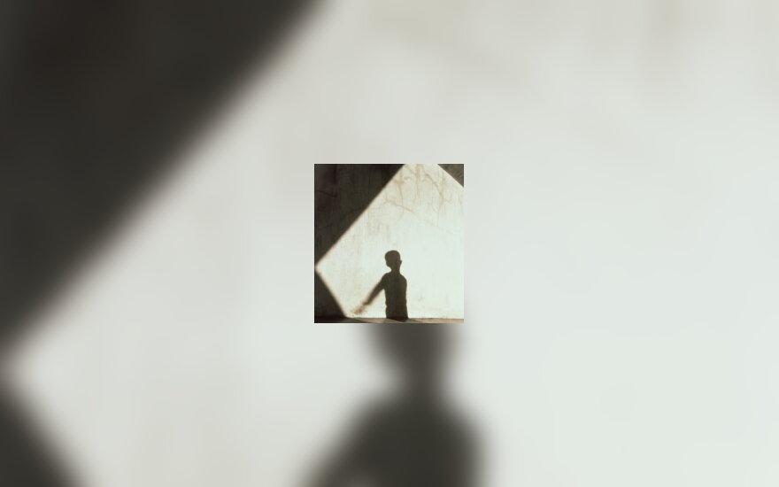 Vaikas šešėlyje