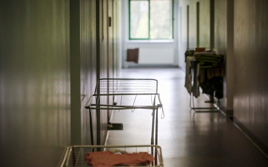 Užsieniečių registracijos centras Pabradėje, kur prieglobsčio prašytojai gyvena laisvai