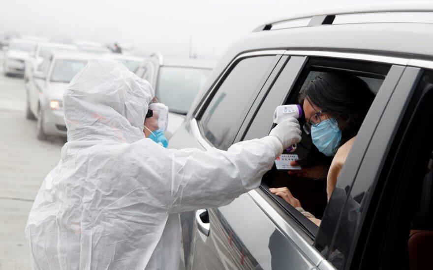 Kinijos centrinis bankas dėl koronaviruso protrūkio į ekonomiką įlies 173 mlrd. dolerių