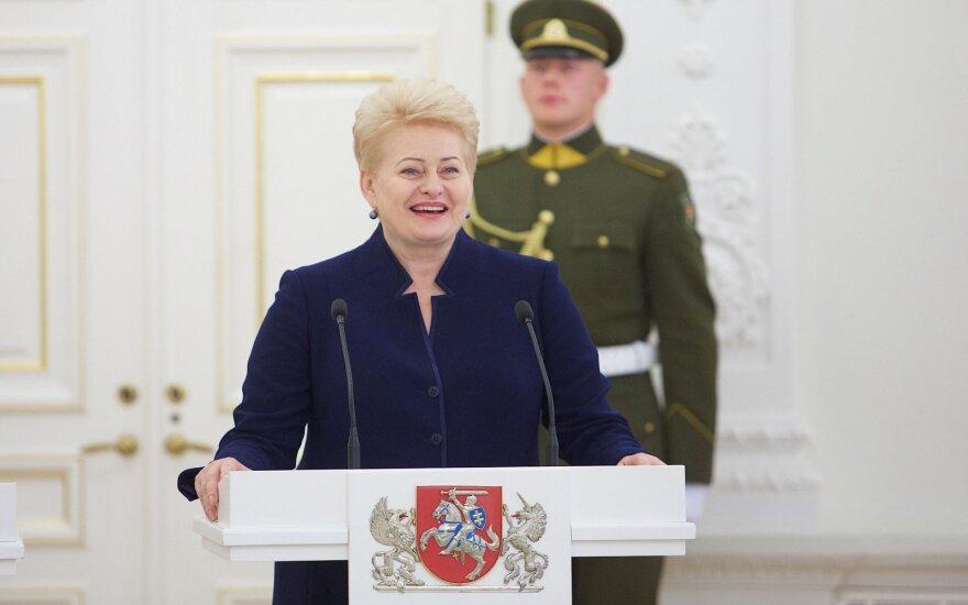 Rinktinę apdovanojusi D. Grybauskaitė: įsipareigoju nuvykti į olimpiadą, jei tai jums padės