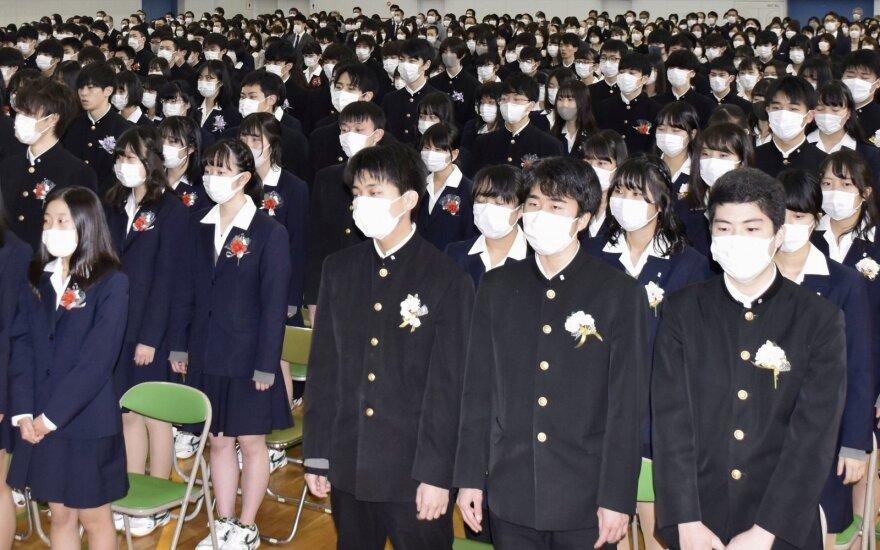 Japonijoje dėl koronaviruso grėsmės uždaryta dauguma mokyklų
