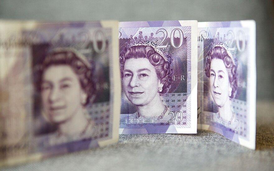 """Tyrimas: Londonas dėl """"Brexito"""" neteks 7500 finansų darbo vietų"""
