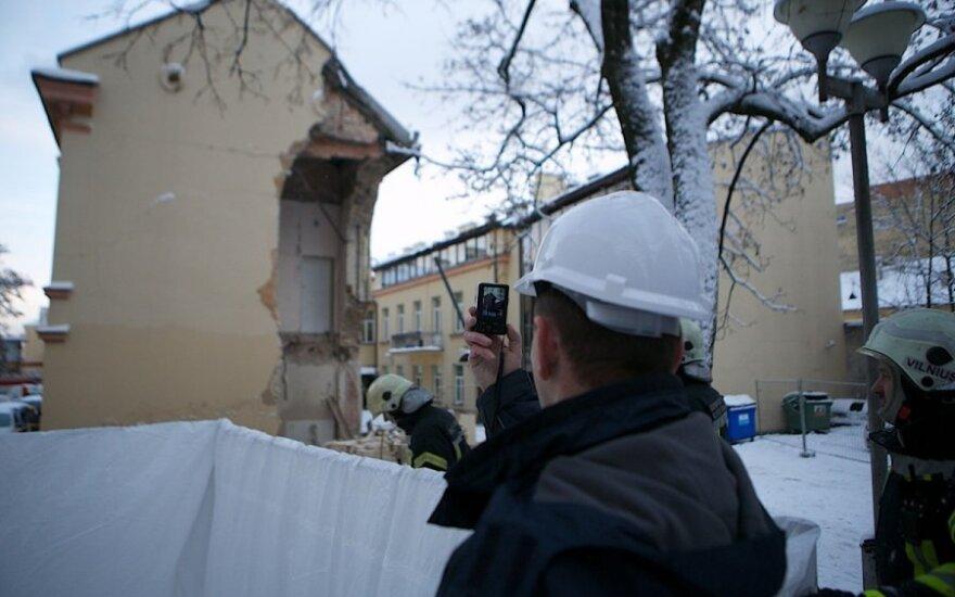 Rado kaltus dėl pastato griūties Vilniaus gatvėje