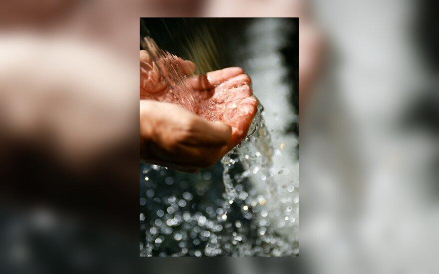 Šaltinis, šaltinio vanduo