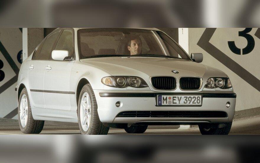 BMW ir nepatyręs vairuotojas – mirtinai pavojingas derinys?