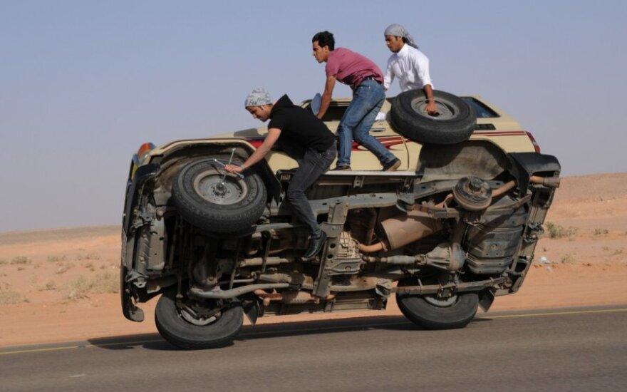 Saudo Arabijos vairuotojų triukai kelyje