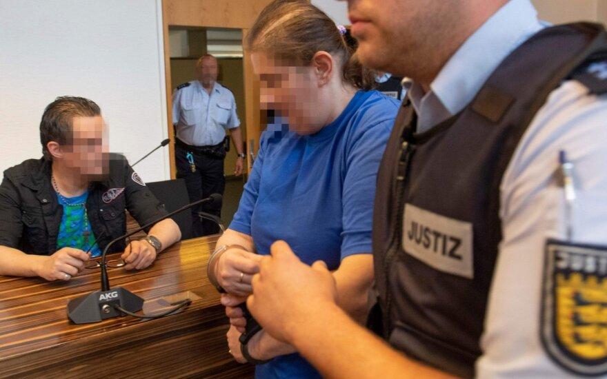 Visą Vokietiją sukrėtusi byla: motina žagino ir pardavinėjo savo sūnų