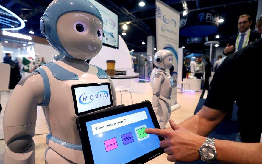 Robotai jau perėmė tūkstančius darbų: dabar taikosi į geriausiai mokamas pozicijas