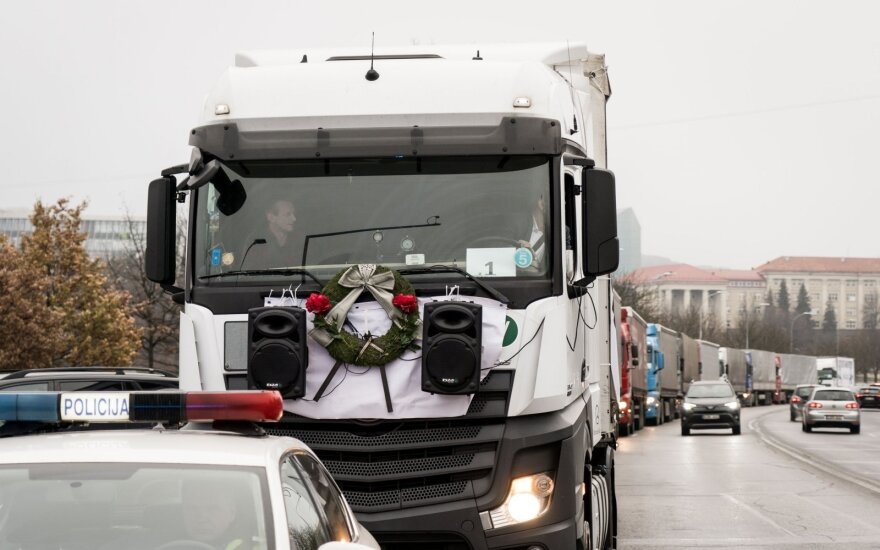 Lithuania and other European countries mull turning to EU court over hauler restrictions