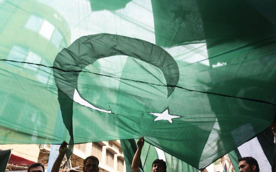 Naujai išrinktas Pakistano parlamentas susirinko į pirmąjį posėdį