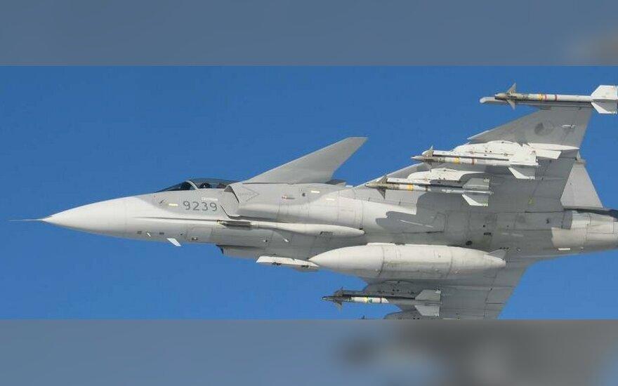 Švedijoje sudužo naikintuvas, pilotas saugus
