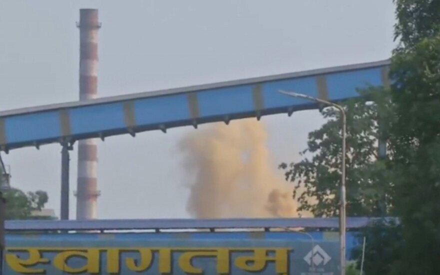 Indijos plieno gamykloje per galingą sprogimą žuvo devyni žmonės
