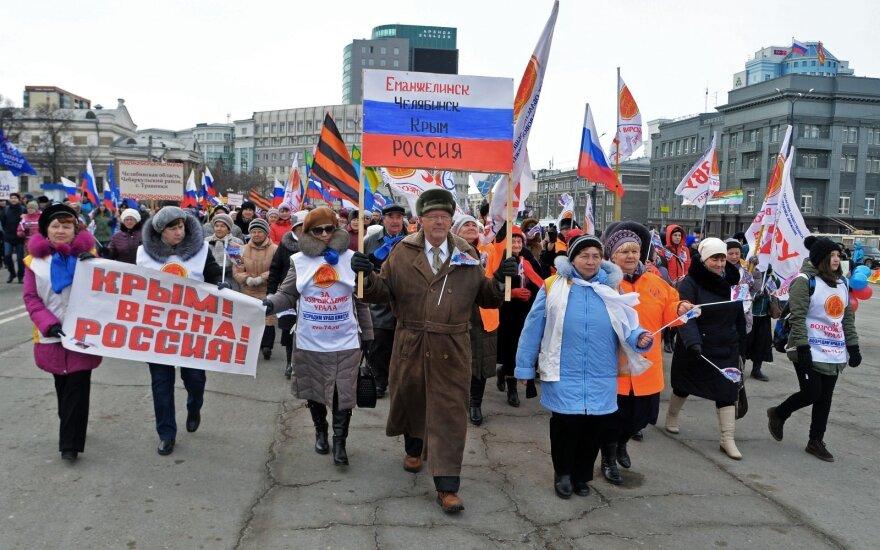 "Kremlin official urges action on behalf of ""oppressed"" Russians in former Soviet republics"