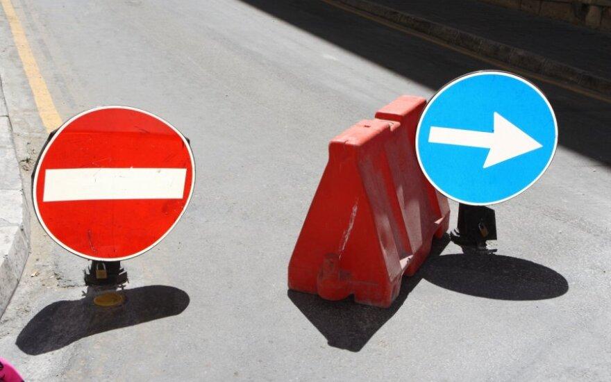 Policija Elektrėnuose nufilmavo vairuotoją, kuriam kelio ženklai negalioja