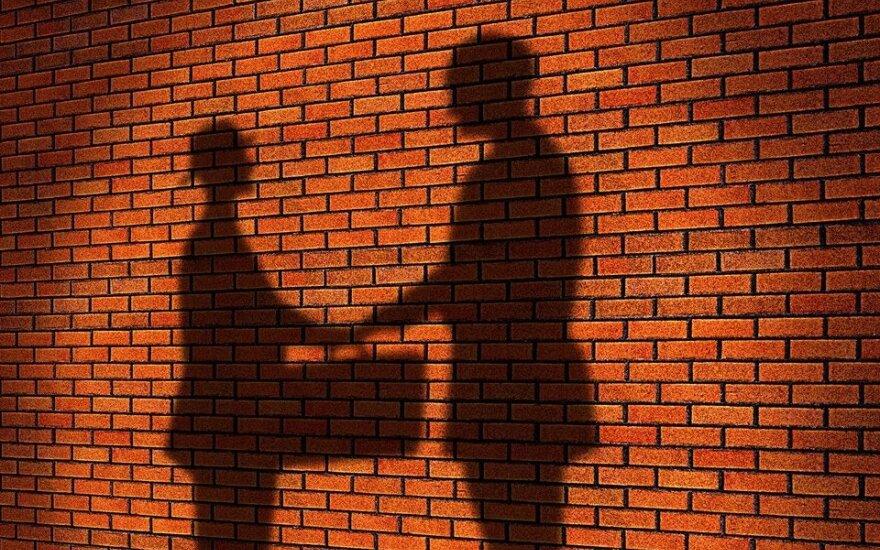 Study reveals Lithuanians' ambivalence towards corruption