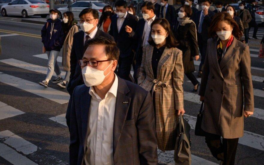 Virusų medžiotoja rodo pasauliui, kaip kovoti su epidemija