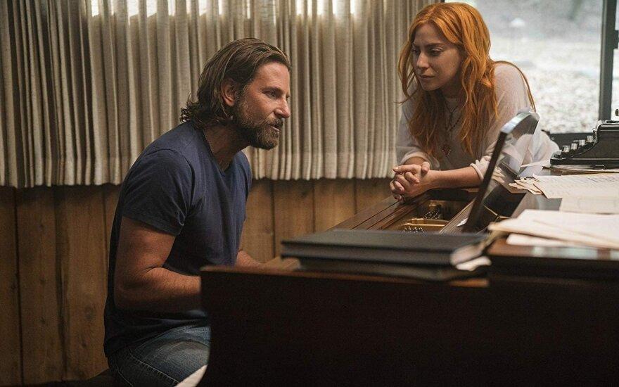 """Bradley Cooperis ir Lady Gaga filme """"Taip gimė žvaigždė"""""""